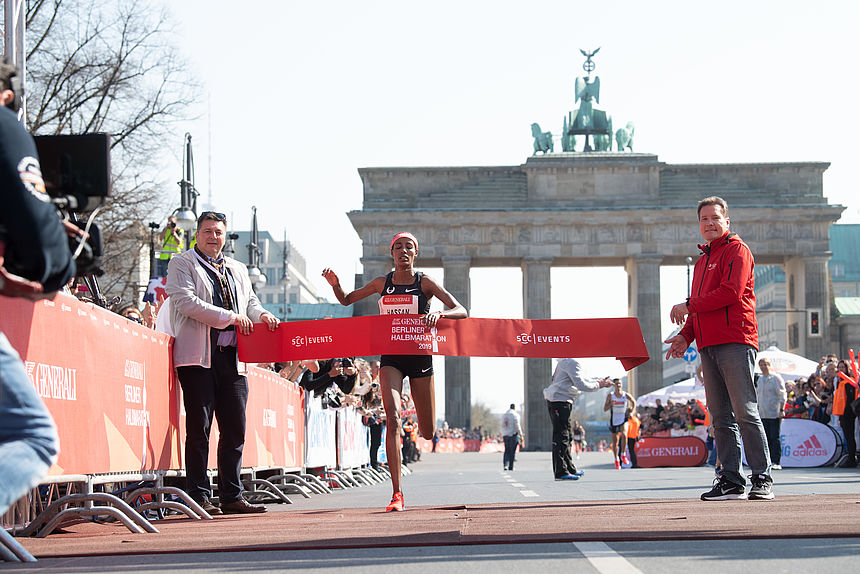 The Dutch Sifan Hassan wins the GENERALI BERLIN HALF MARATHON 2019