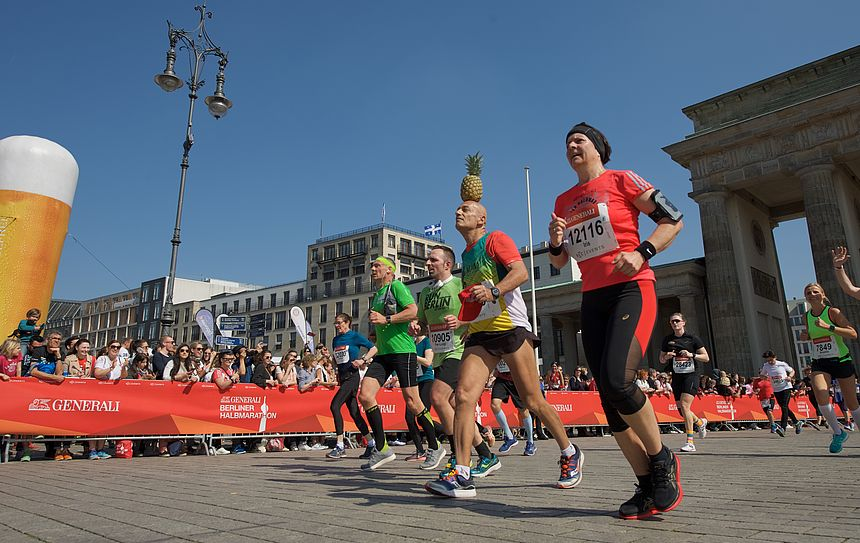 Extravagant runners are a part of the GENERALI BERLIN HALF MARATHON 2019